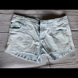 Harlow, light blue Jean shorts